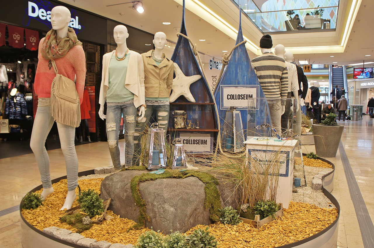 E-Commerce Boutique Bringing Vibrant  Fashion