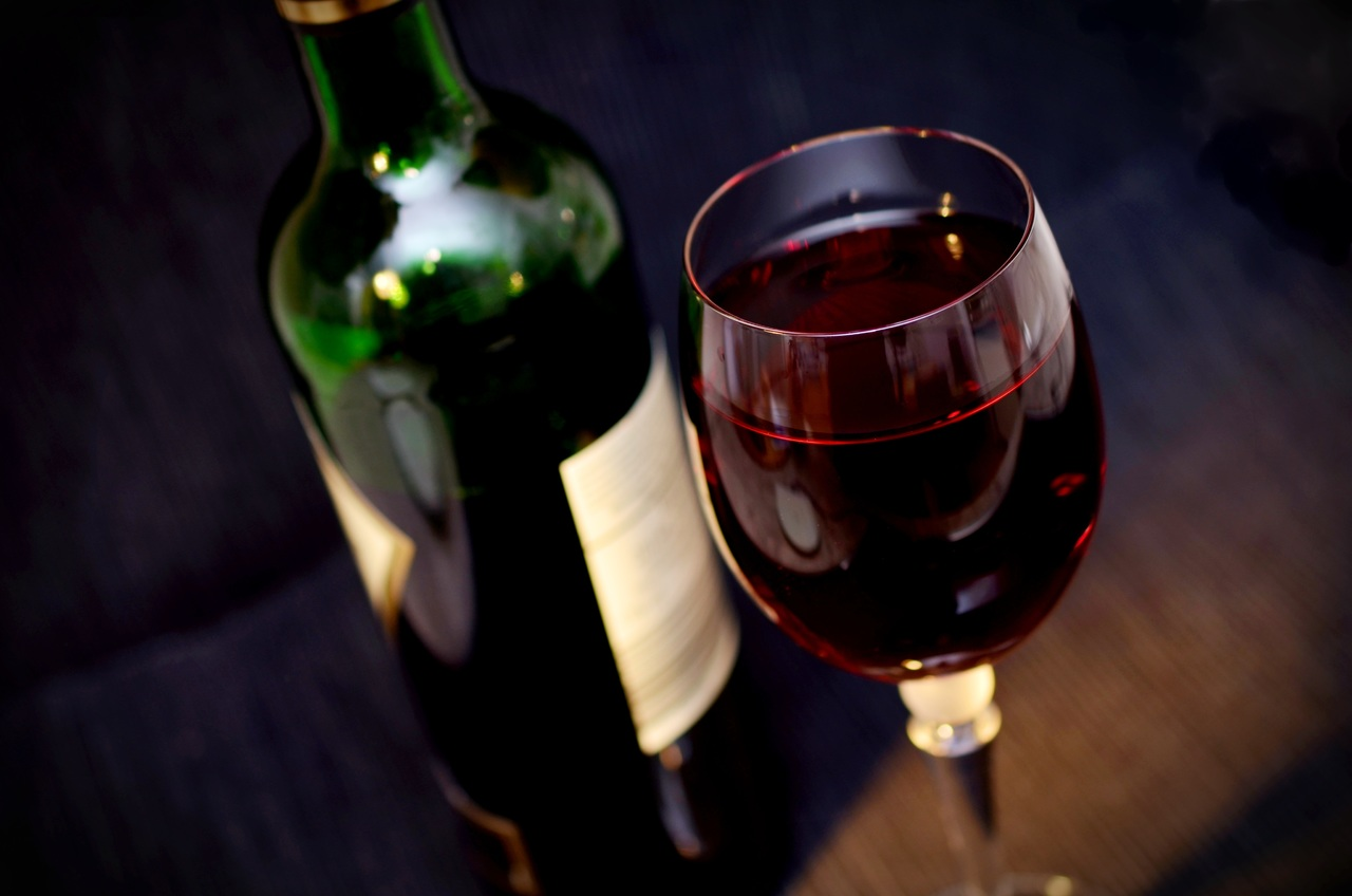Red wine could protect your oral health